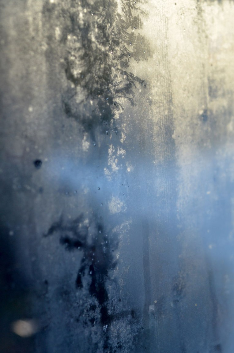 traces_windowfrost3